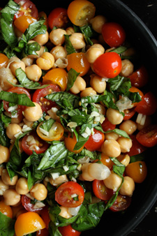 Healthy Bites: Chickpea & Tomato Salad